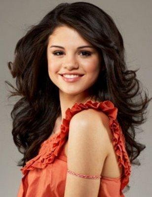 selena gomez pictures. Selena Gomez